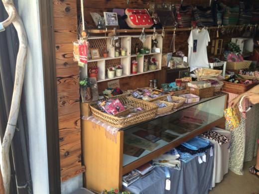 ヒヨコ長屋の雑貨ギャラリー