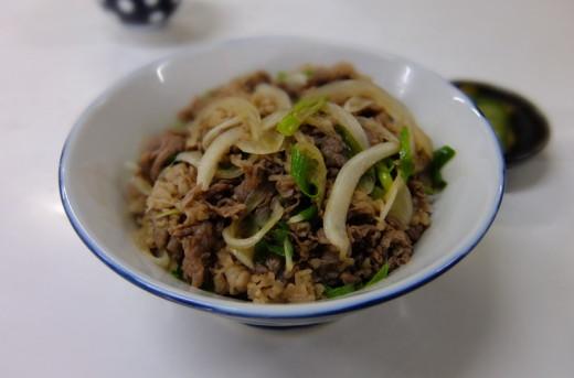 美松支店の肉丼