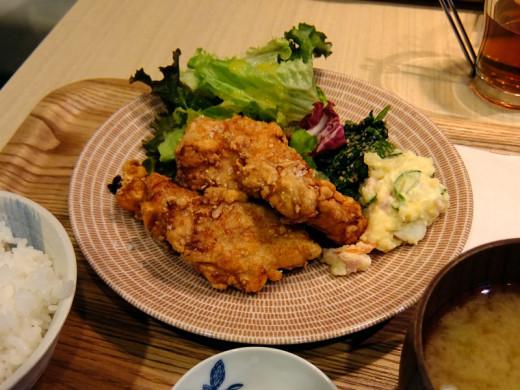 オリザの淡路鶏のカラアゲ定食