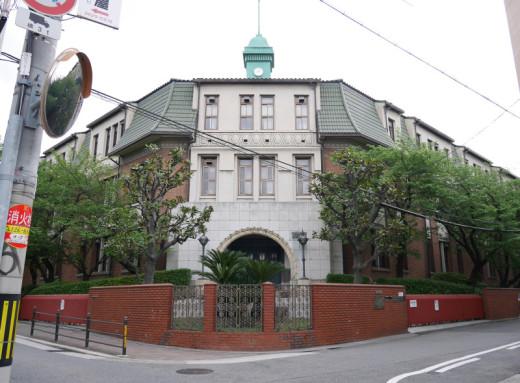 工芸高校の本館見学ツアー